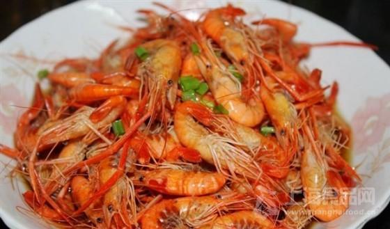 一般是海白虾超市啊海鲜批发市场都会去现在吃的广泛了海虾河虾都吃
